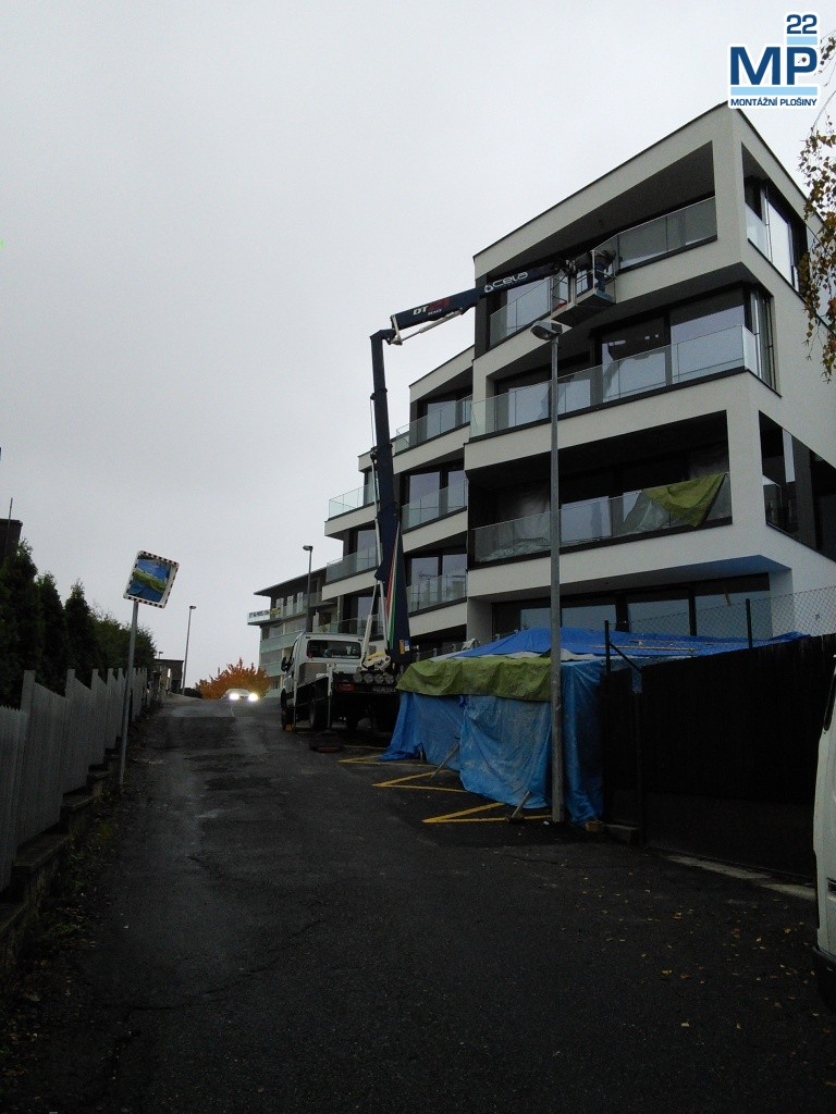 Zasklívání balkónů